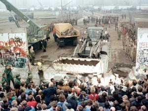 Demolishing Berlin Wall, November 12, 1989