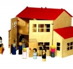 Detacho: Modular Dollhouses for Fractured Families