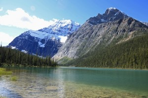 Mount-Edith-Cavell-and-Sorrow-Peak-tower