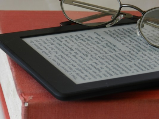 how to delete books from my kindle ipad