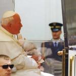 pope JP in car
